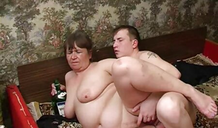 Hilary porno gratuit hd Scott Dap.Gangbang avec 5 hommes